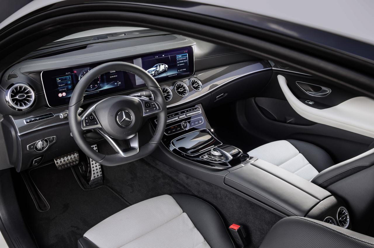 2017-Mercedes-Benz-E-Class-Coupe-14