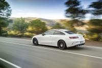 2017-Mercedes-Benz-E-Class-Coupe-12