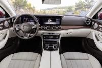 2017-Mercedes-Benz-E-Class-Coupe-4