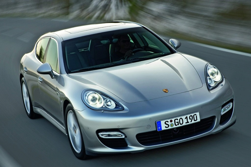 images vid os et d tails de la porsche panamera. Black Bedroom Furniture Sets. Home Design Ideas